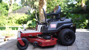 Zero Turn Mower Vs Lawn Tractor – What Do You Really Want?