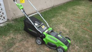 GreenWorks 25142 10-Amp 16-Inch Corded Electric Lawn Mower