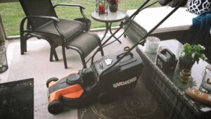 WORX WG775 Lil'Mo 14-Inch 24-Volt Cordless Lawn Mower Review