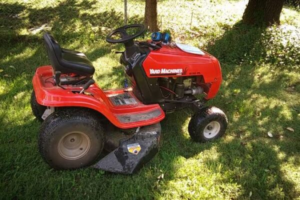 Top Riding LawnMowers For The Money - Reviews